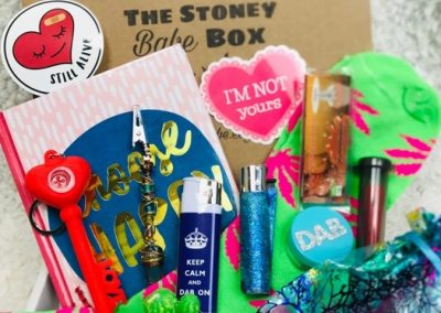 The Stoney Babe Box Review | High-Quality Girly Stoner Subscription Box