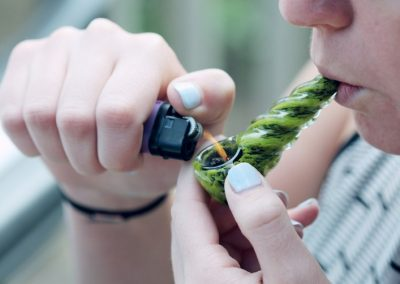 15 Best Weed Pipes you can Buy Online | Choose Yours!